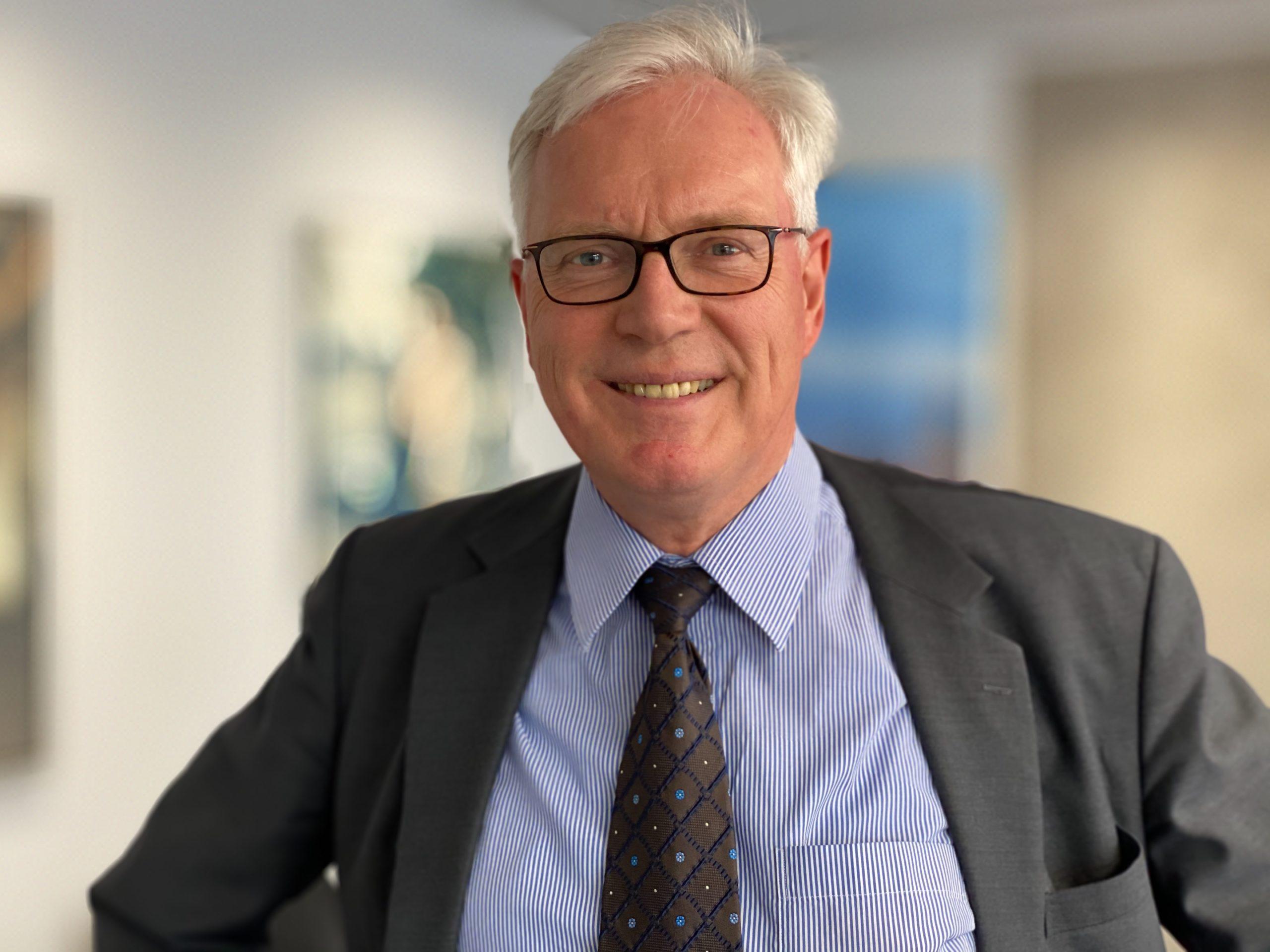 24: Eine Bank im Corona-Modus. Ein Treffen mit Dr. Thomas Brakensiek